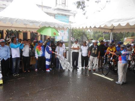 Start Balap Sepeda Kelas Individual Time Trial Men Elite Dilaksanakan di Jl. Wangsa Ghoparana Subang