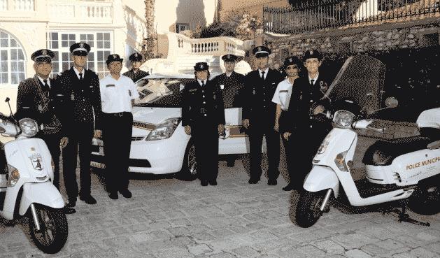 Polisi dengan motor matic di Monaco
