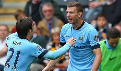 Edin Dzeko tỏa sáng trong màu áo của Man City.