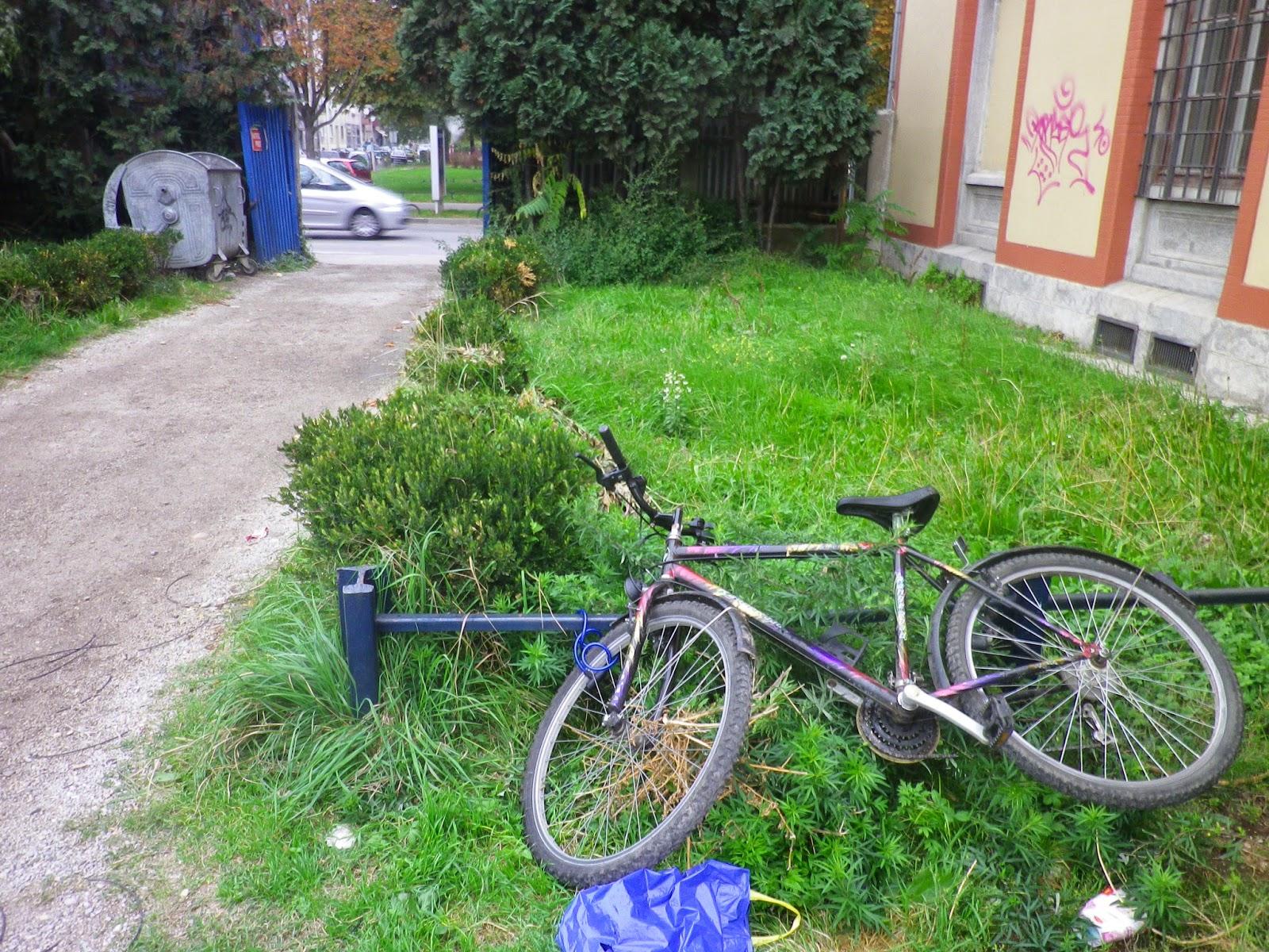 {空屋筆記} 免費的自由: 自己的腳踏車自己修....免費腳踏車修理站