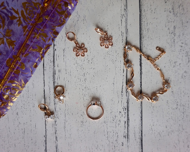 Bijunet Jewellery, review, blogger, fashion blogger, hanrosewilliams, hannah rose, rose gold, earrings, necklace, bracelet,