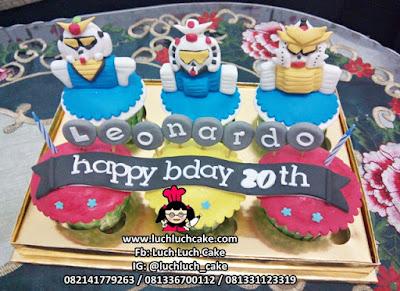 Cupcake Ulang Tahun Fondant 3d Anime Gundam