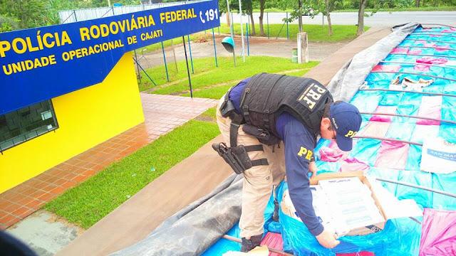 Polícia Rodoviária Federal apreende carreta com mais de 1,3 milhão de Reais em cigarros contrabandeados