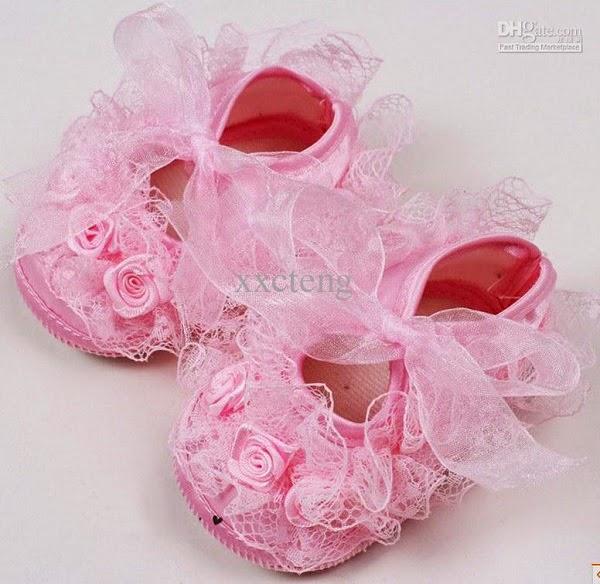 Chaussures rose bébé fille