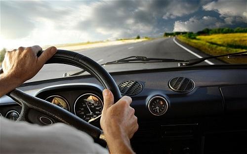 Kinh nghiệm lái xe đường dài khi sử dụng dịch vụ thuê xe