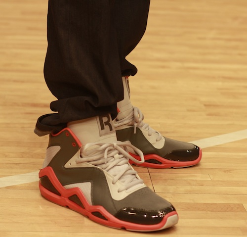 Amar e Stoudimire was also in the building rocking a pair of Retro Air  Jordan