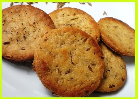 आटे अजवायन बिस्कुट बनाने की विधि   Ajwain Atta Biscuits Recipe in Hindi
