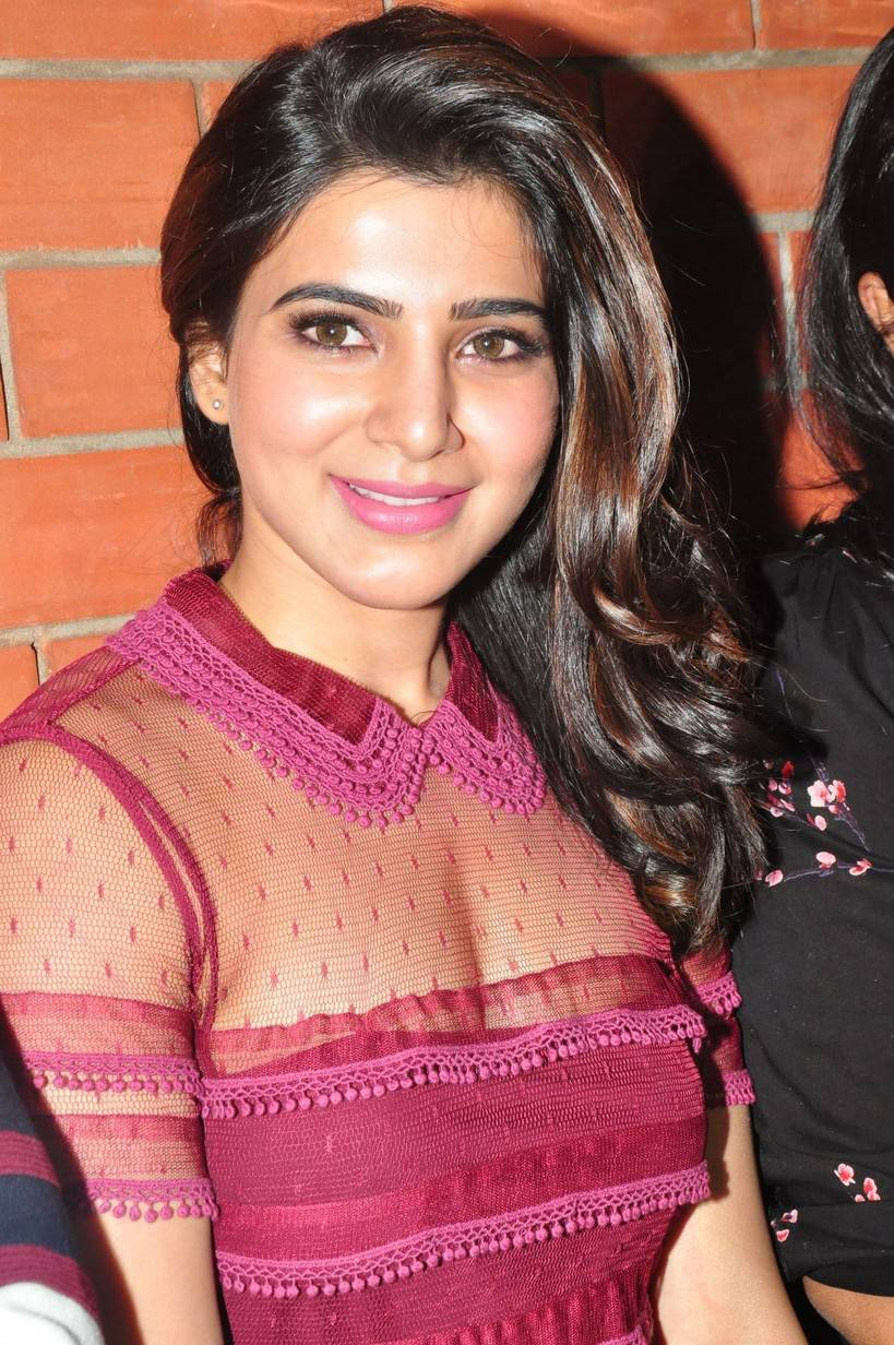 Samantha Stills At Restaurant Launch In Maroon Dress