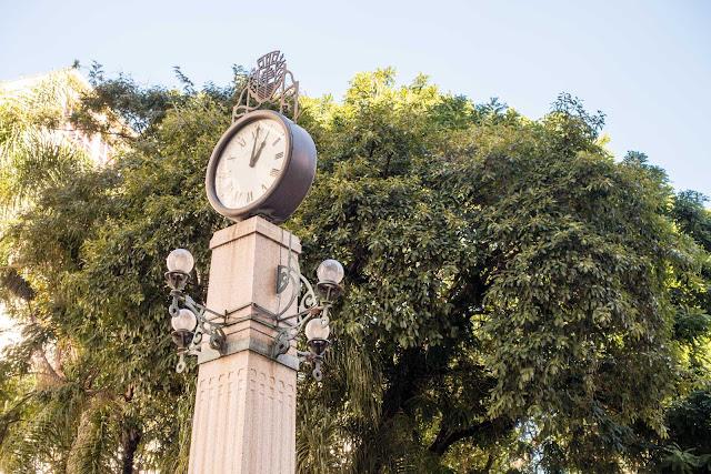 O relógio da Praça Osório em Curitiba