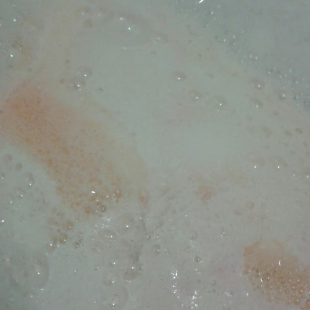 Lush dragons egg bath bomb