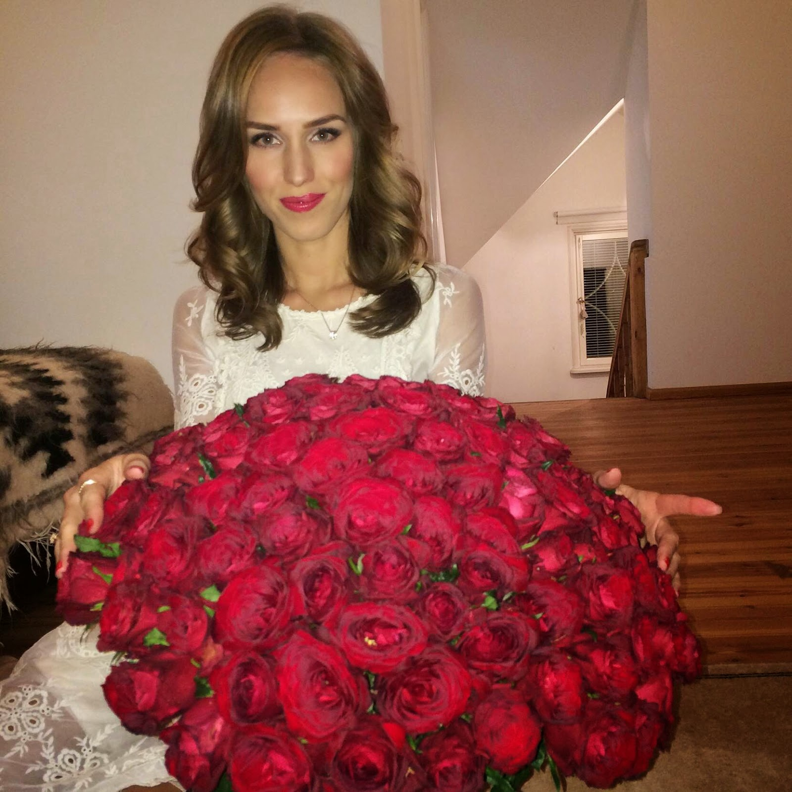 120-red-roses-white-lace-dress