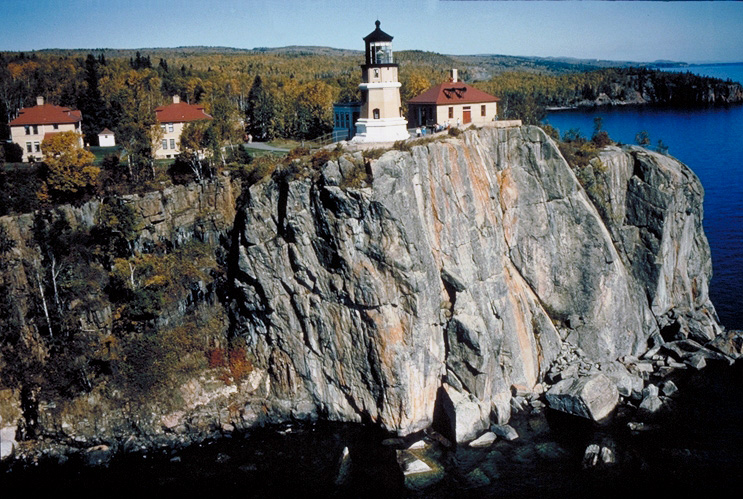 Lighthouses On The Great Lakes To Visit Author Jennifer