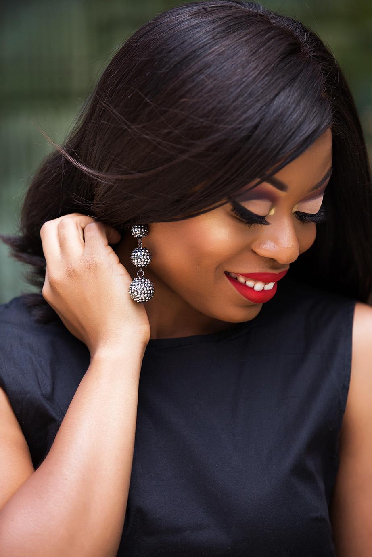 stella-adewunmi-of-jadore-fashion-share-Bauble-bar-statement-drop-earrings