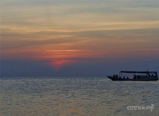Sunset di Pantai Ujung Gelam