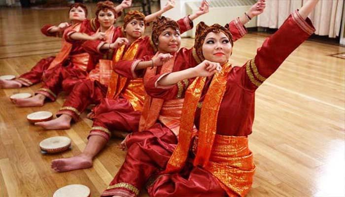 Tari Indang atau Tari Dindin Badindin, Tarian Tradisional Dari Sumatera Barat