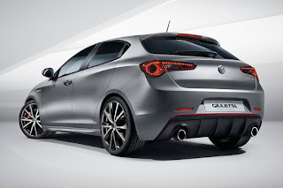 Alfa Romeo Giulietta (2016) Rear Side