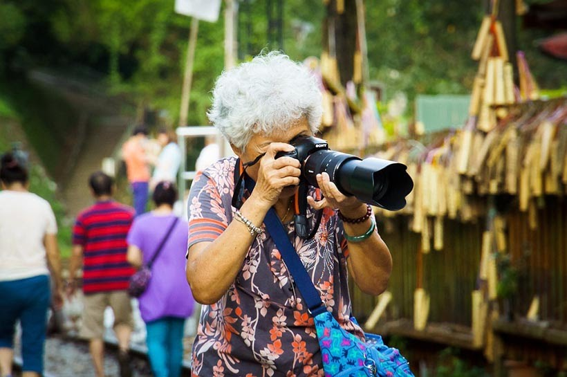 Como fazer seguro viagem para idosos - Foto: Pixabay