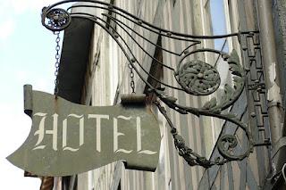"""Szyld """"Hotel"""", Reklama to nie tylko spot telewizyjny."""