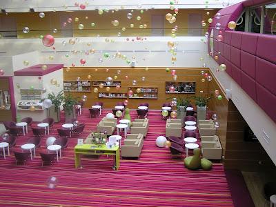 Ilyen egy igazán gyerekbarát hotel lobbyja