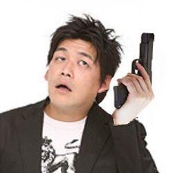 【画像】サンドウィッチマン富澤たけしに銃持たせた