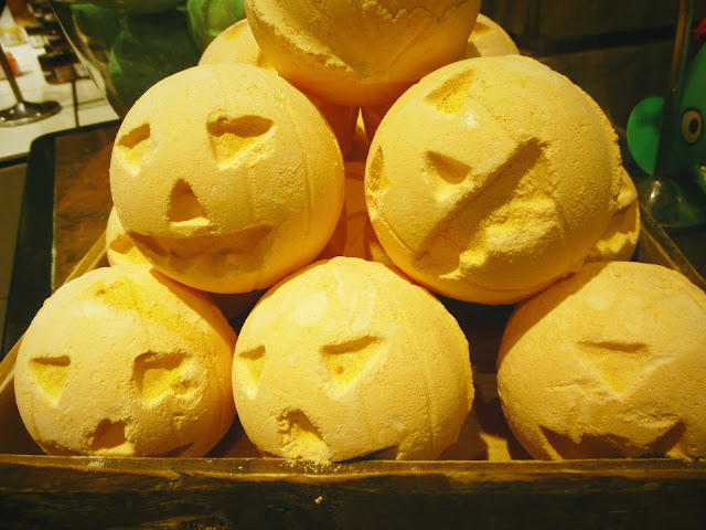 Pumpkin Bath Bomb Lush Cosmetics