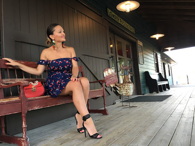 Dolce&Gabbana, off the shoulder dress, canadian blogger, kako nositi kratku haljinu, ankle strap sandals. winners fab finds, best blogger outfits, niagara wine country,