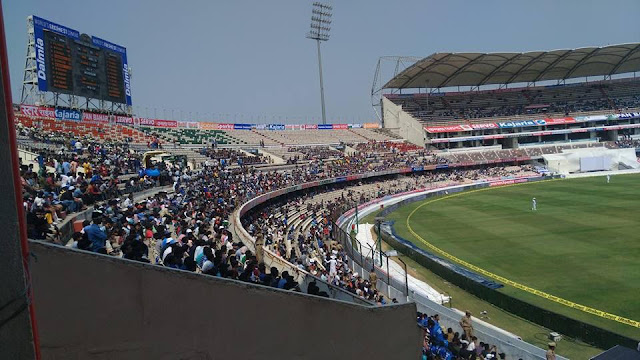 With 'JioNet' high speed Wi-Fi, watching Test Match at Uppal Stadium just got better!