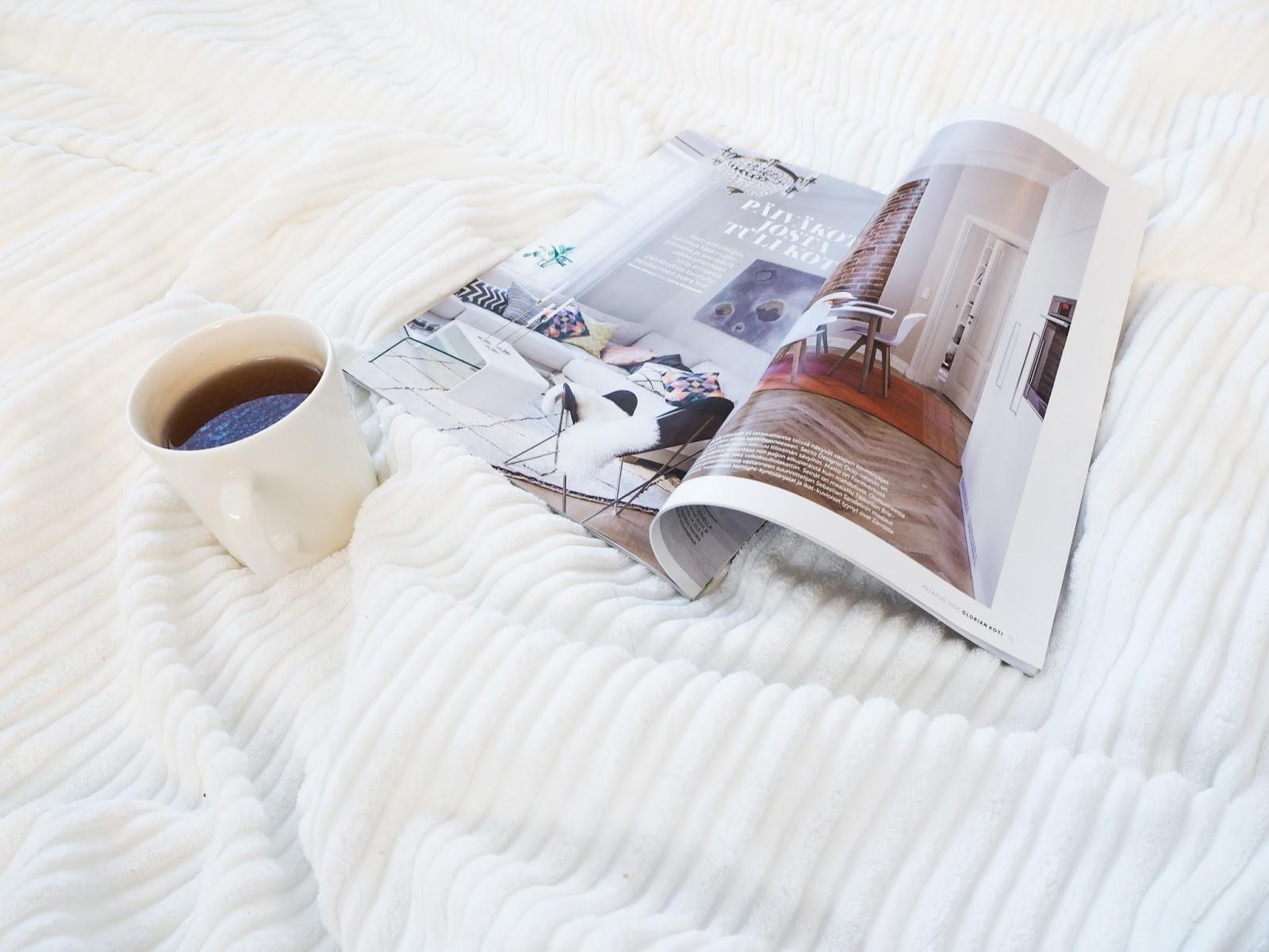 Saippuakuplia olohuoneessa- blogi, kuva Hanna Poikkilehto, asetelma, Glorian koti, Iittala Teema, Vihreä tee,