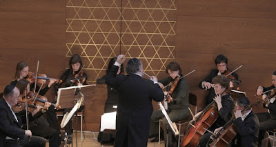 Michael Hurshell and the New Jewish Chamber Philharmonic Orchestra