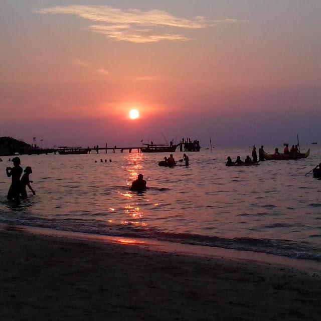foto sunset di pantai bandengan jepara