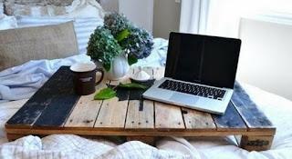 laptop asztalka raklapból