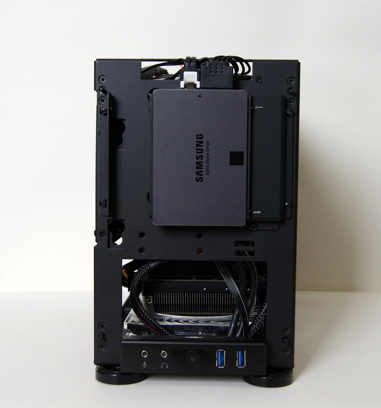 Frontal al descubierto, caja Mini-ITX NCASE M1