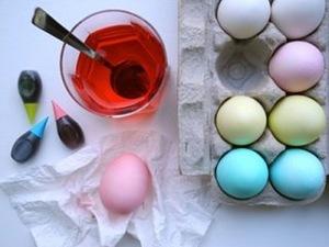 яйца пасхальные, Мозаичные пасхальные яйца, стол пасхальный, Мастер-классы и идеи по окраске яиц, Декупаж вареных яиц на крахмале, Значения символов, используемых при росписи пасхальных яиц, Кружевные пасхальные яйца, Мозаичные пасхальные яйца, Окрашивание яиц луковой шелухой, Окрашивание яиц натуральными красками, Окрашивание яиц с помощью пены для бритья, Разноцветные яйца со спиральными разводами, Секреты подготовки и окрашивания пасхальных яиц, Яйца «в крапинку», Яйца с растительным рисунком, как покрасить пасхальные яйца в домашних условиях, чем покрасить яйца на Пасху, пасхальные яйца фото, пасхальные яйца картинки, пасхпльные яйца крашенки, пасхальные яйца писанки, красивые пасхальные яйца своими руками, методи окрашивания пасхальных яиц, как покрасить яйца, когда красят яйца, чем красят яйца, пасхальные традиии, Секреты подготовки и окрашивания пасхальных яиц, Символика рисунков на пасхальных яйцах, декор пасхальный, яйца, украшение яиц, декор яиц, Пасха, советы, мастер-класс, рекомендации, идеи пасхальные