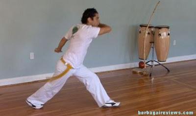 Ginga atau (Jin-gah) teknik dasar gerakan capoeira - berbagaireviews.com