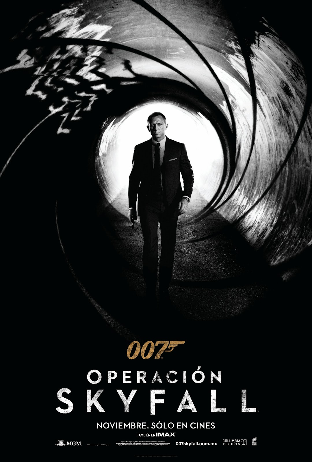 Operacion+Skyfall+Poster.jpg