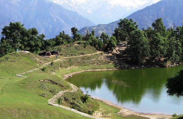 Deoria Tal Uttarakhand