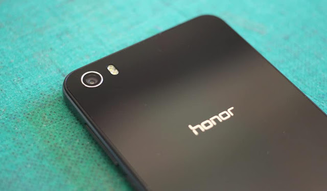 honor-v10-discover-first-real-photo-screen-borderless