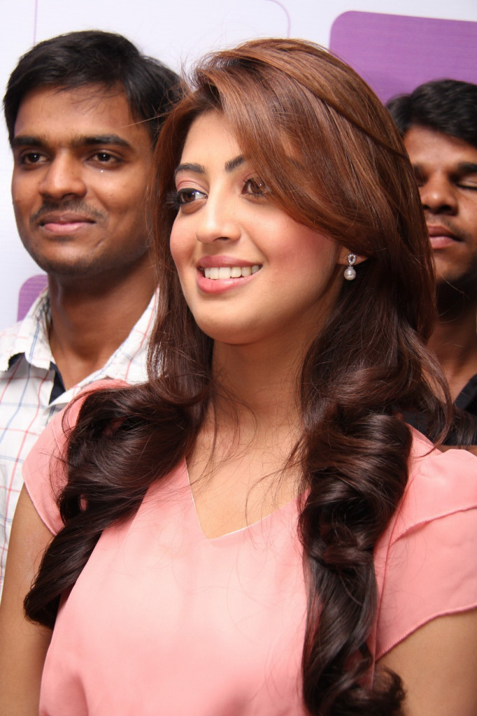 Cute pretty Pranitha launches naturals family salon & spa photos