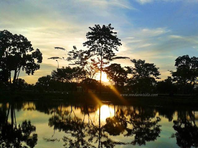 Sunset di Taman Cadika Medan