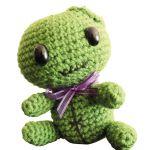 http://amliandotto.com/2017/03/01/moustrita-little-green-monster-amigurumi/