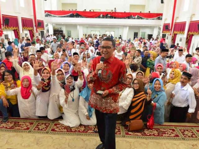 Nurdin Abdullah Sumbang Lagu Jepang dan Makassar untuk Alumni SMA 5