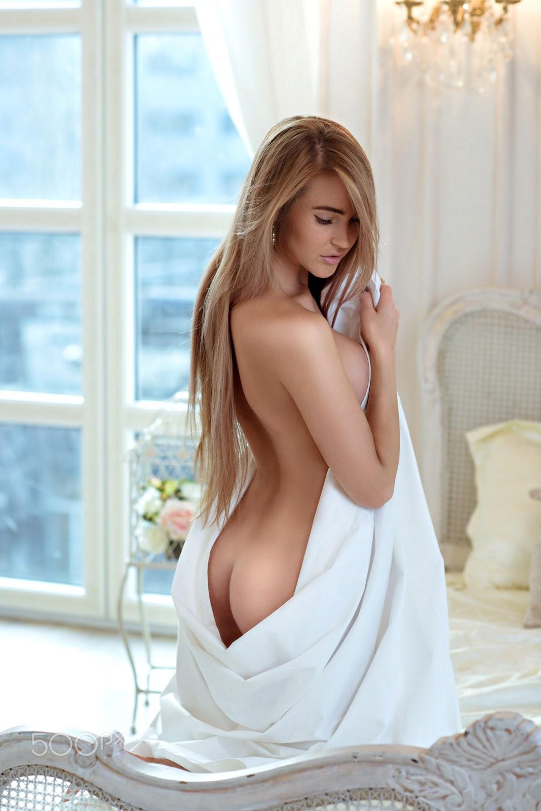 Sexy Lady Nude Photo