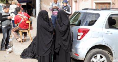 أسرة الإرهابي عادل حبارة تعتدي على الصحفيين أمام مشرحة زينهم