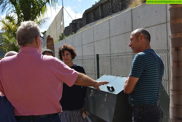 El Consorcio de Servicios entrega una compostera al Centro de Atención a la Discapacidad Triana