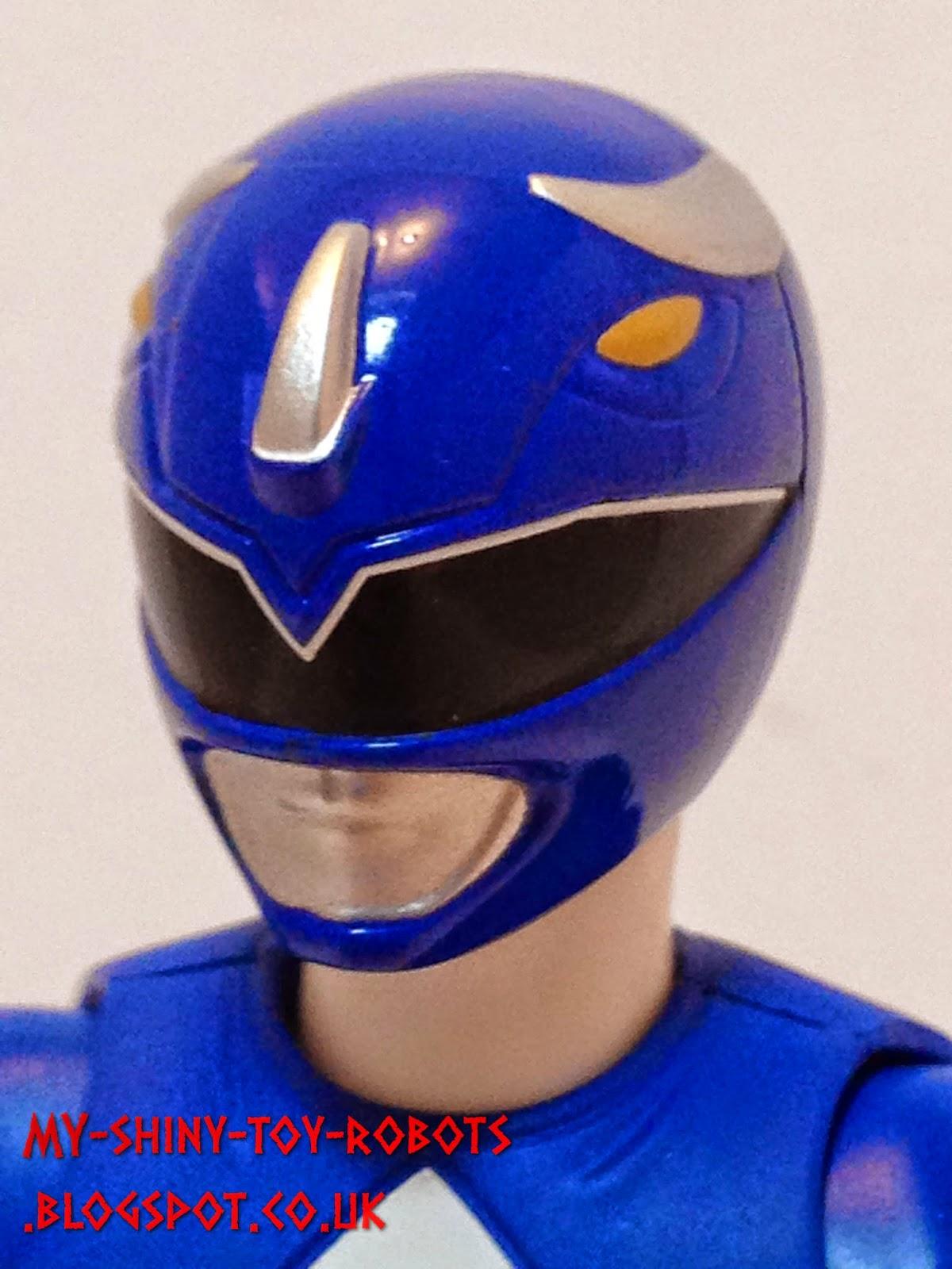 S.H. Figuarts Tricera Ranger (Mighty Morphin Power Rangers Blue Ranger)