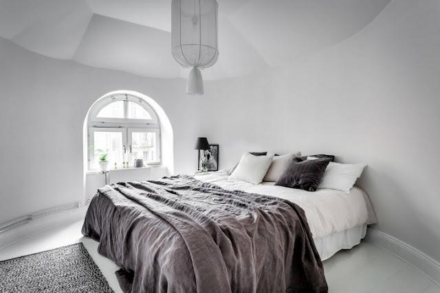dormitor in alb si gri