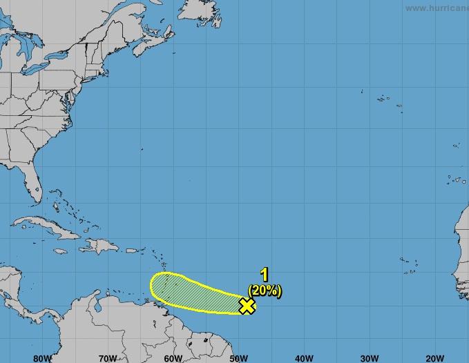 Fuerte-Onda-tropical-próximo-a-las-Antillas Menores