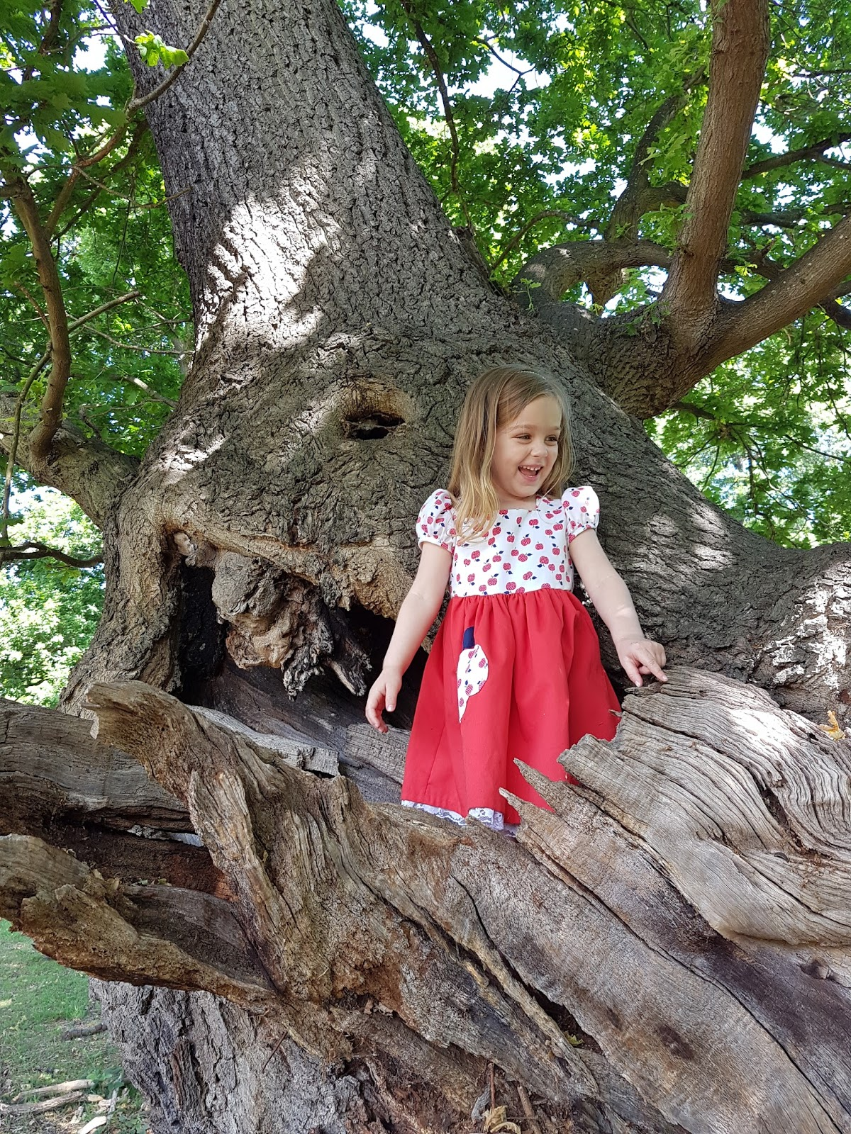 A summer day stroll in the Epping Forest | Wave to Mummy