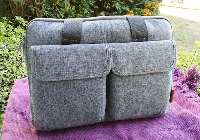 Inateck Felt Laptop Sleeve Amongst Handles As Well As Outer Pockets