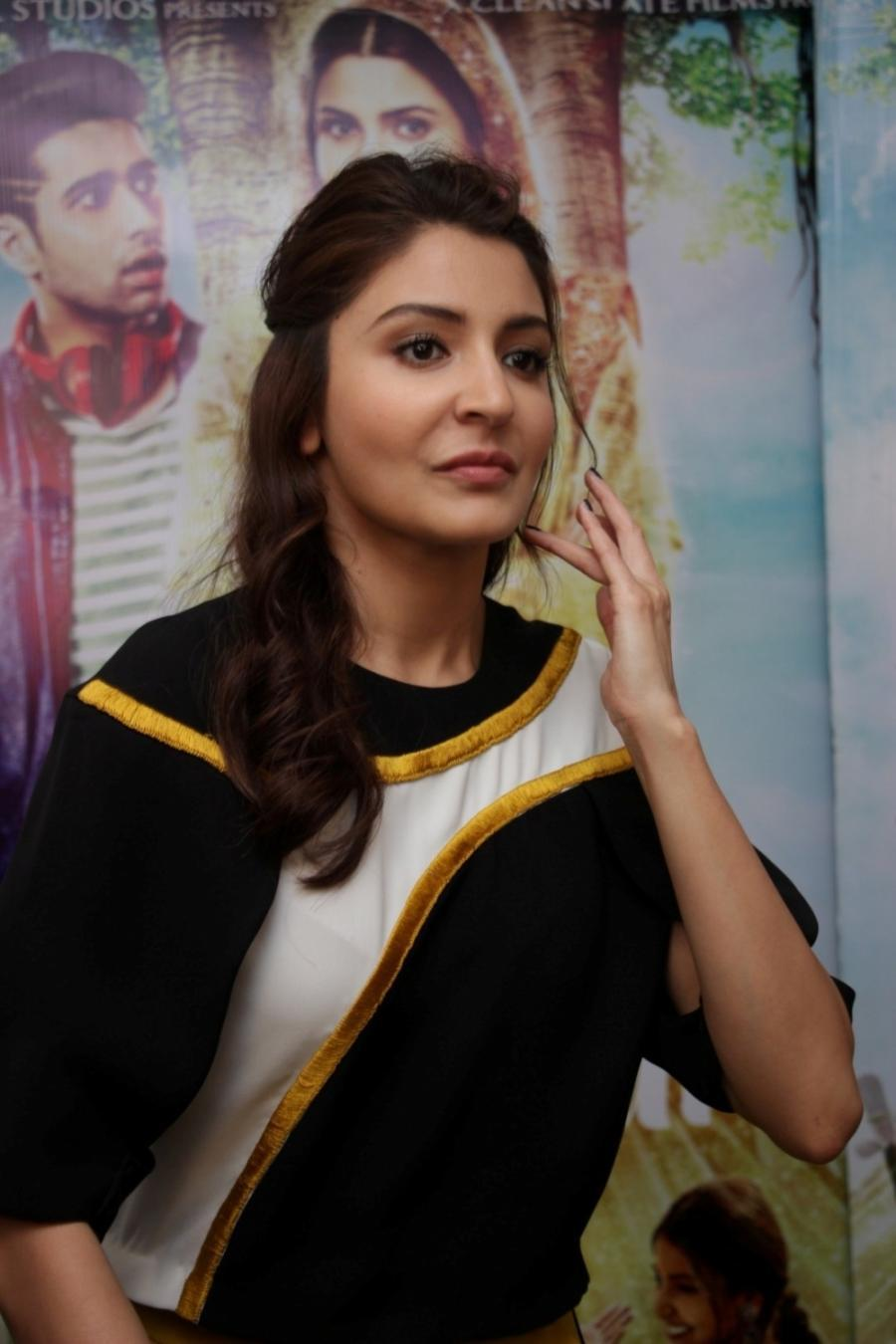 Anushka Sharma In Black Dress At Mumbai Film Interview